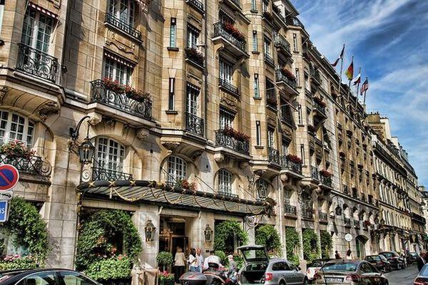 """L'hôtel Bristol, à Paris (9e arrondissement), se classe meilleur hôtel français et 14e européen dans le dernier classsement """"Travelers' Choice Awards Hotels 2014!"""" de TripAdvisor."""