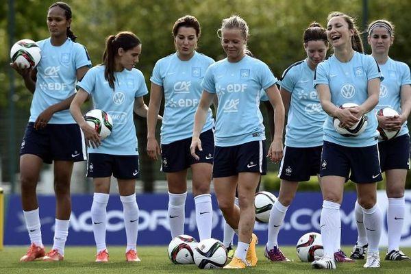 Sourire aux lèvres, les Bleues sont quasi-prêtes pour la Coupe du Monde.