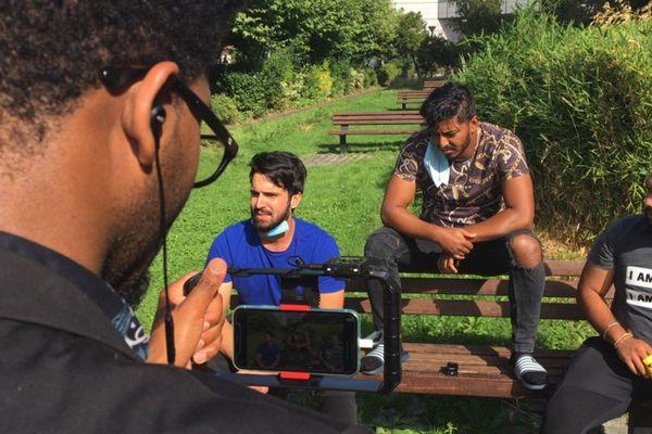 Zein et ses camarades ont écrit leur film hier, et l'ont tourné ce jeudi