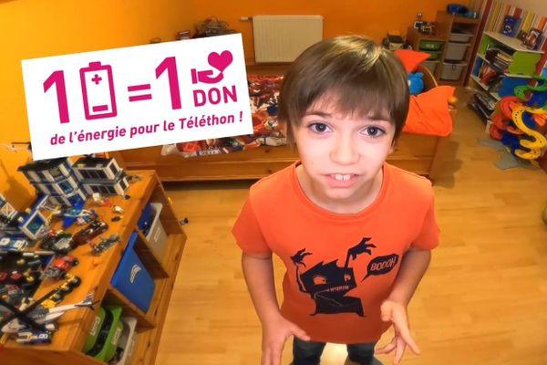 Gauthier, 10 ans, jeune ambassadeur du Téléthon pour l'opération 1 pile = 1 don.