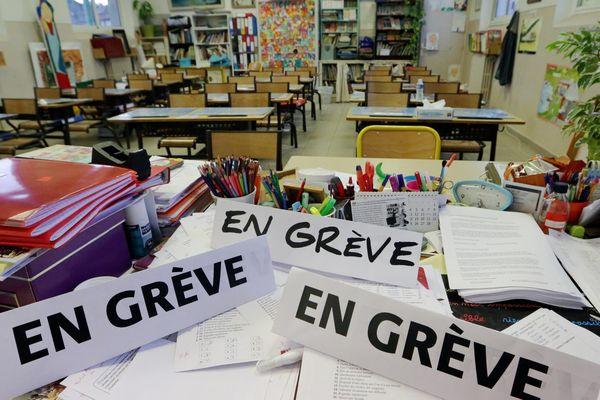 A l'initiative du syndicat FSU, les enseignants sont invités à se mettre en grève, mardi.