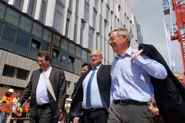 Damien Castelain, pdt de la MEL (au centre) lors d'une visite de chantier en juin 2019