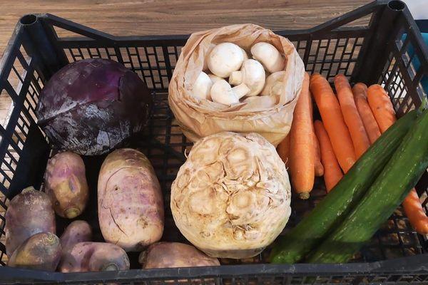 Le restaurant lillois Cul de Poule proposait ce lundi matin des légumes à la vente.