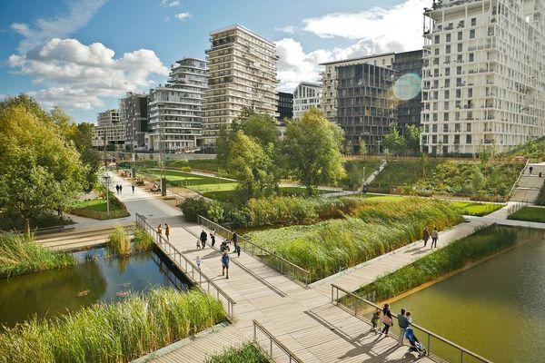 Les nouveaux quartiers doivent offrir des espaces aux marcheurs.