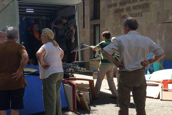 Dans ce camion, 45 lits médicalisés pour Beyrouth.