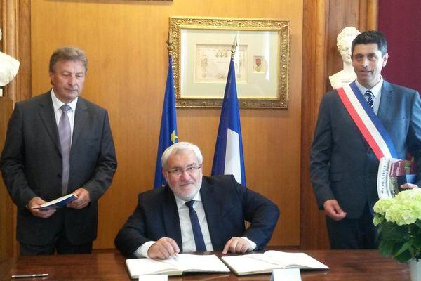 Jean-Marc Todeschini, Secrétaire d'État chargé des Anciens Combattants et de la Mémoire à la mairie d'Oradour