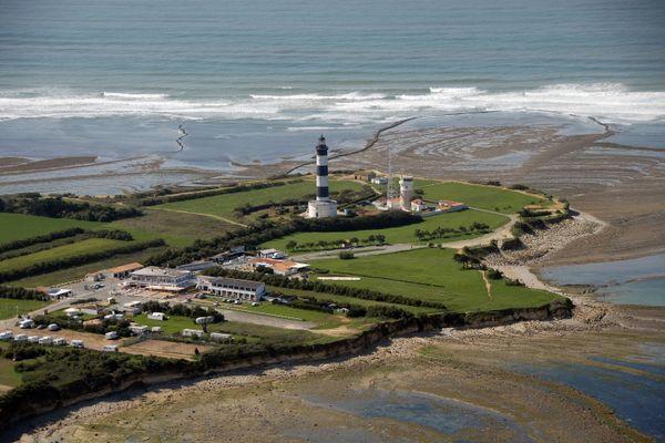 Le dernier signal du téléphone portable du skipper a été borné près de l'île d'Oléron.