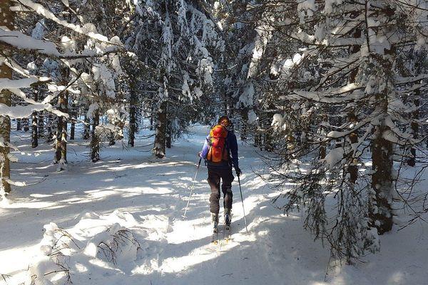 Le ski de randonnée est un sport complet, se pratiquant en pleine nature.