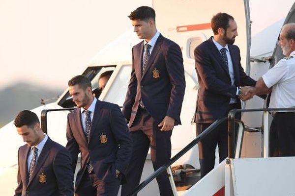 Arrivee des joueurs de l'equipe d'espagne a l'aeropport de La Rochelle