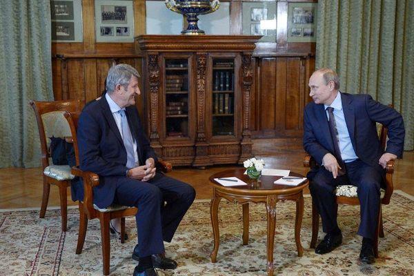 Philippe de Villiers avec Vladimir Poutine à Yalta à la fin de l'été.