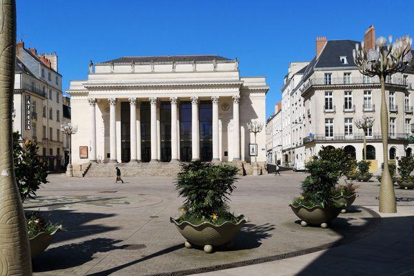 Les images des rues vides pendant le confinement, comme ici Place Graslin à Nantes, deviendront historiques demain.