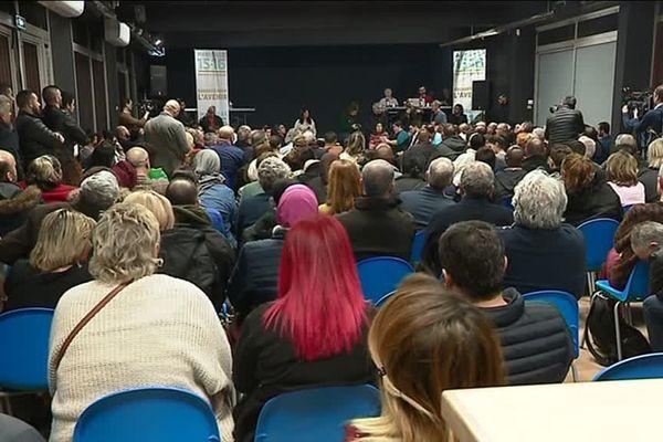Près de 200 marseillais sont venus échanger pendant près de 3h pour ce Grand débat national organisé par Samia Ghali hier soir au centre culturel Mirabeau (15e).