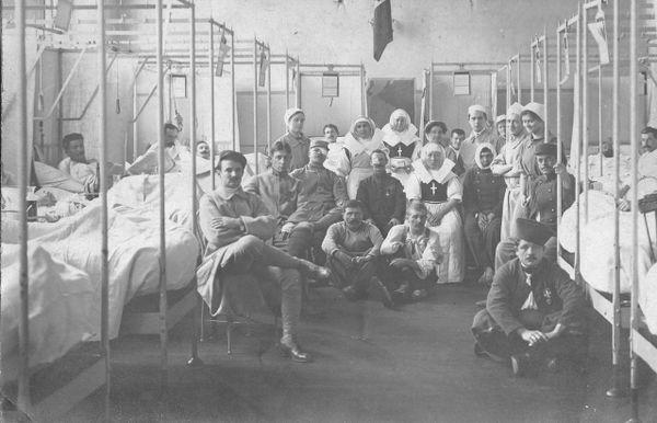Blessés de la Première guerre mondiale dans un hôpital militaire français