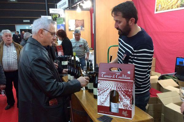 Plus de 450 exposants, dont 350 vignerons, présentent leurs produits au salon