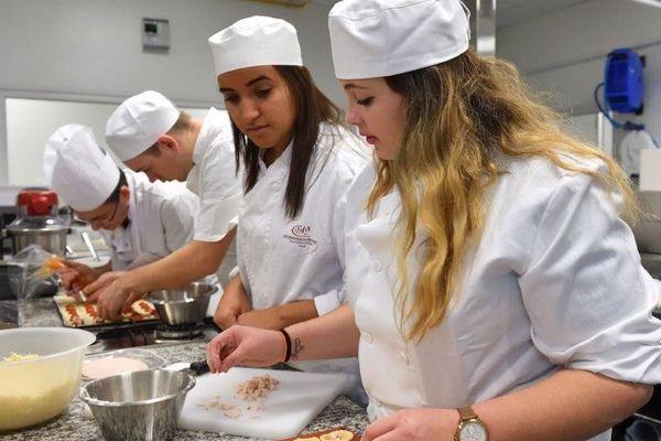 Atelier Cuisine à l'école des métiers de Montpellier avant le confinement