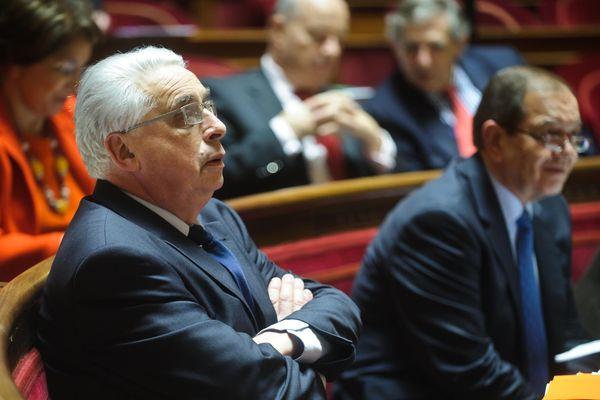 Archives (janvier 2012). Le sénateur du Loiret, Jean Pierre Sueur lors d'un débat au Sénat.