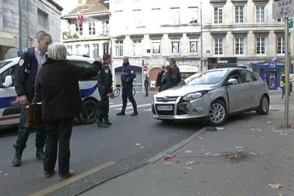 Le chauffeur est originaire de Paris mais vit à Besançon.