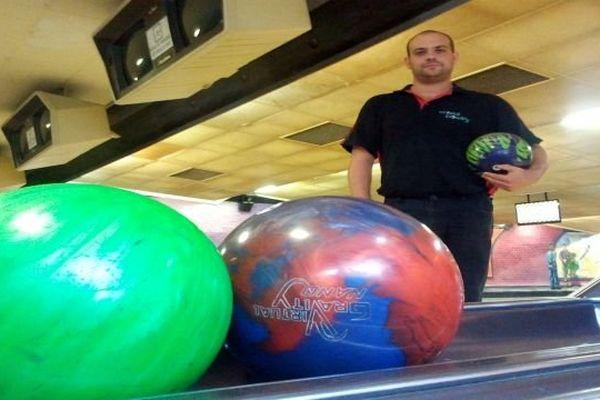 Carcassonne - Vincent Cayez, à l'entraînement avant la coupe du monde de bowling en Russie - 24 septembre 2013.