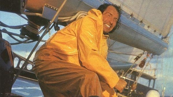 En 10 ans, de 1972 à 1978, Alain Colas est devenu une légende de la course en solitaire à la voile avant de disparaître en mer