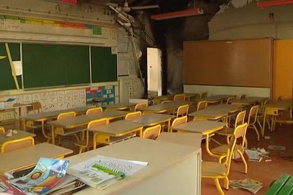 Une des classes de l'école Paul Painlevé à Montpellier a en partie brûlé. Août 2015.