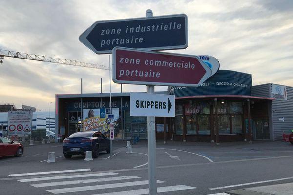Les rues désertes des Sables d'Olonne, le 6 novembre 2020