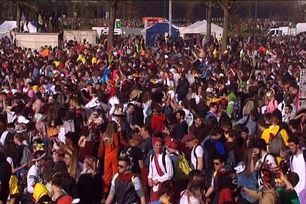 En 2017, plus de 30 000 personnes étaient présentes au carnaval étudiant de Caen.