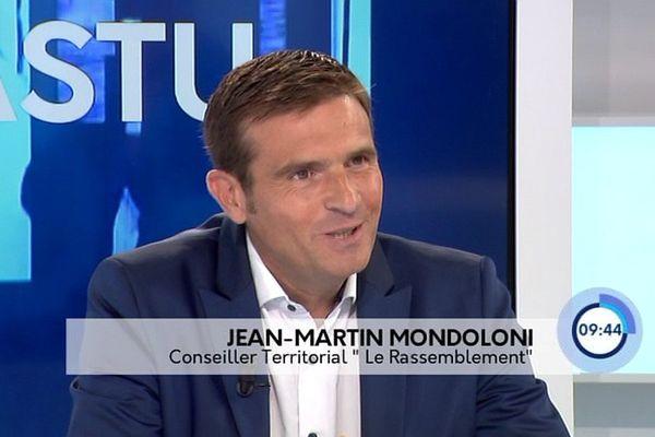 Jean-Martin Mondoloni, conseiller territorial du groupe Le Rassemblement, sur le plateau du magazine Cuntrastu, le 2 octobre 2016