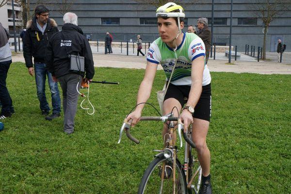Un cycliste d'Anjou Vélo Vintage
