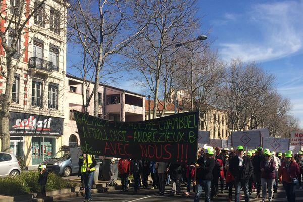 Saint-Etienne : manifestation contre la prison de Saint-Bonnet-les-Oules