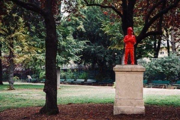 L'oeuvre du toulousain James Colomina volée dans le jardin du Ranelagh à Paris