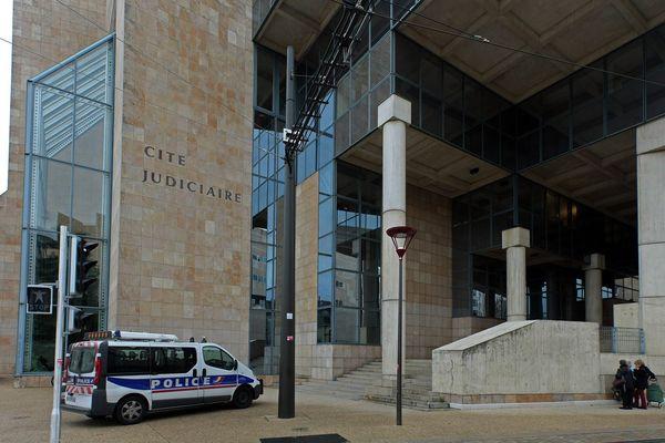 Parquet du Mans - Palais de justice