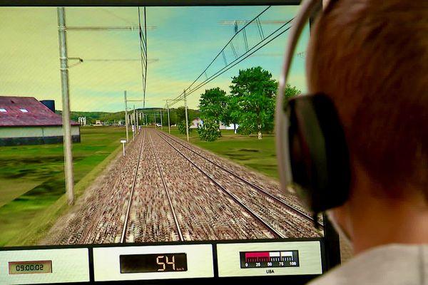 À l'occasion des journée du patrimoine, au Mans la SNCF fait visiter les lieux inaccessibles au public, comme les simulateurs de formation à la conduite des trains