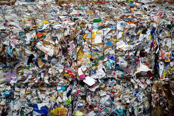 """Un Français produit en moyenne 590 kilos de déchets par an, dont 365 kilos de déchets """"secs"""" (non putrescibles)."""