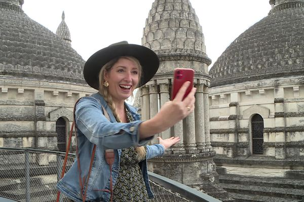 En postant des stories sur son compte Instagram, Jessica Pommier fait découvrir Périgueux à ses 30.000 abonnés.