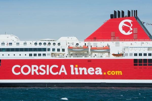 Un des navires de la Corsica Linea.