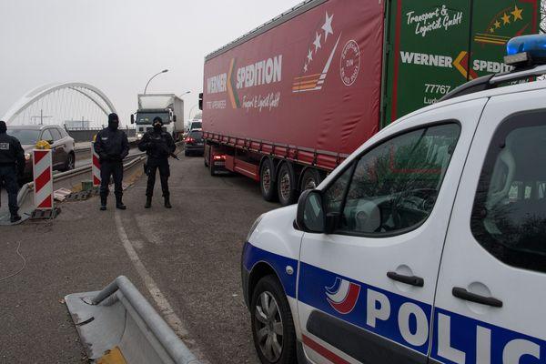 Le trafic sur les ponts entre Kehl et Strasbourg est soigneusement filtré. (image d'illustration)
