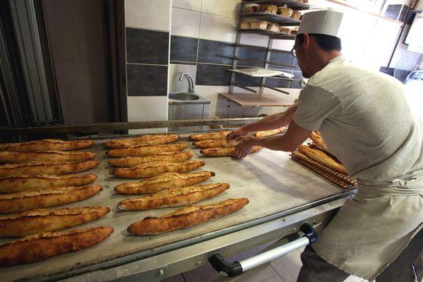 En Maine et Loire, les artisans boulangers interpellent le préfet sur le respect du jour de fermeture obligatoire dans la profession