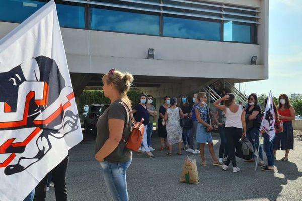 21/09/2020. Manifestation à Bastia (Haute-Corse) des aides à domicile, oubliées de la prime Covid.