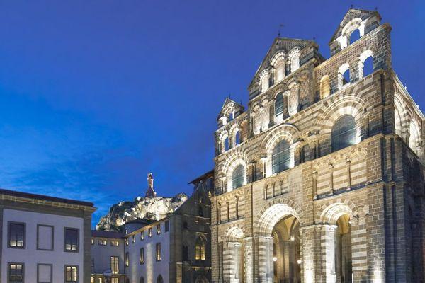 La cathédrale du Puy-en-Velay.