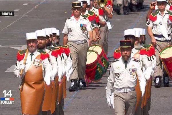 Le défilé du 4e Régiment étranger de Castelnaudary sur les Champs-Elysées - 14 juillet 2017