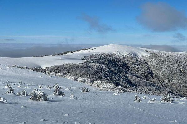 Le sommet du Mont Aigoual sous la neige le 5 janvier 2021