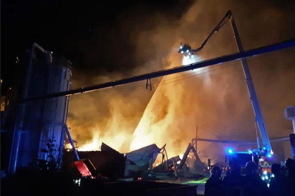 6 juin 2020 – Incendie à la menuiserie Manubois des Grandes-Ventes (Seine-Maritime)
