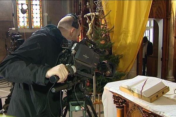 """Les caméras du """"Jour du Seigneur"""" dans l'église de Thaon"""