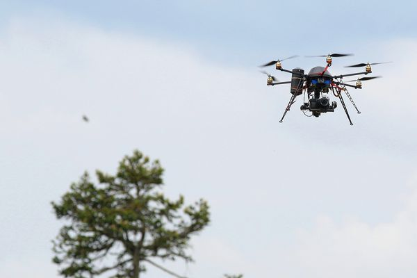 Un drone équipé d'une caméra (illustration).
