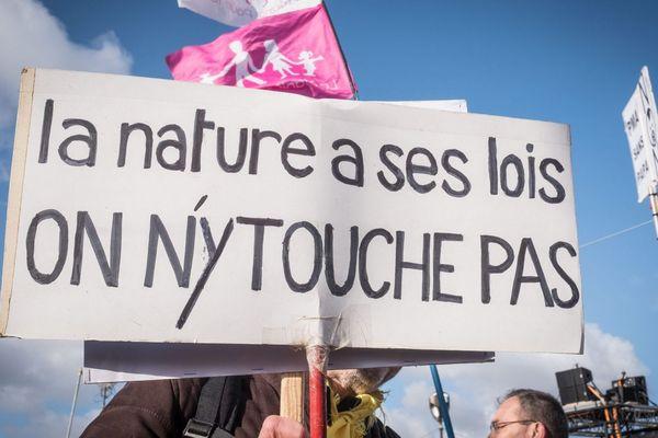 Manifestation à Paris des anti-pma, le 19 janvier 2020, à la veille de l'examen du projet de loi sur la bioéthique au Sénat.