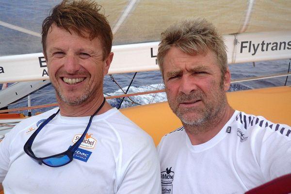 Jean-Pierre Dick et Yann Elies quelques heures avant leur arrivée à Bahia.
