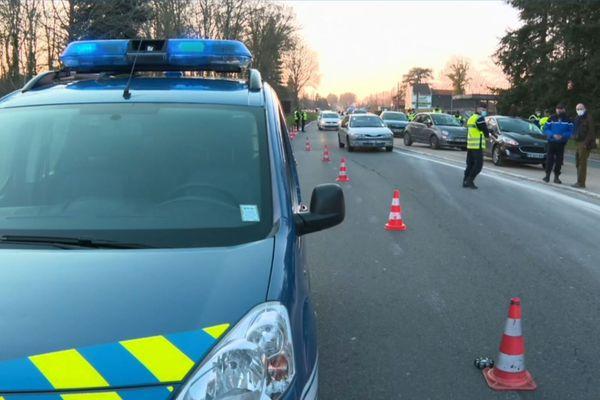 Des contrôles menés par la gendarmerie, samedi soir à Barbizon (Seine-et-Marne).