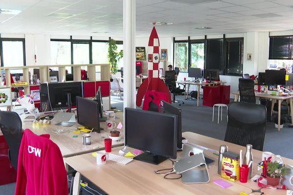 La plupart des sièges d'entreprises sont déserts : les salariés sont en télétravail.
