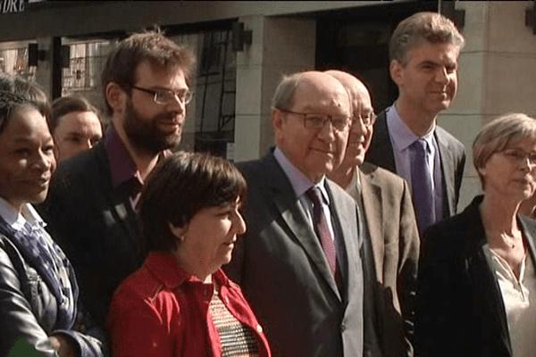"""Photo de """"famille"""" ce mardi matin dans les rues de Caen à quelques jours du second tour des municipales"""