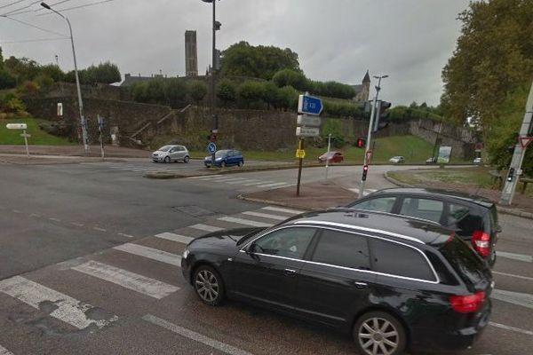 A l'intersection Quai Saint Martial –Pont neuf à Limoges ( illustration)